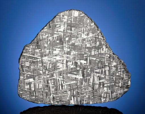 A MUONIONALUSTA METEORITE SLICE — SHIMMERING CRYSTALLINE STRUCTURE