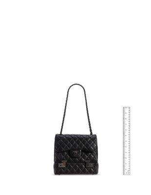 A BLACK LAMBSKIN LEATHER COMPARTMENT MEDIUM FLAP BAG WITH BLACK HARDWARE