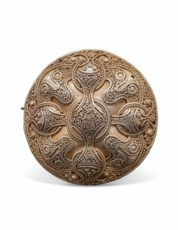 A VIKING SILVER DISC BROOCH