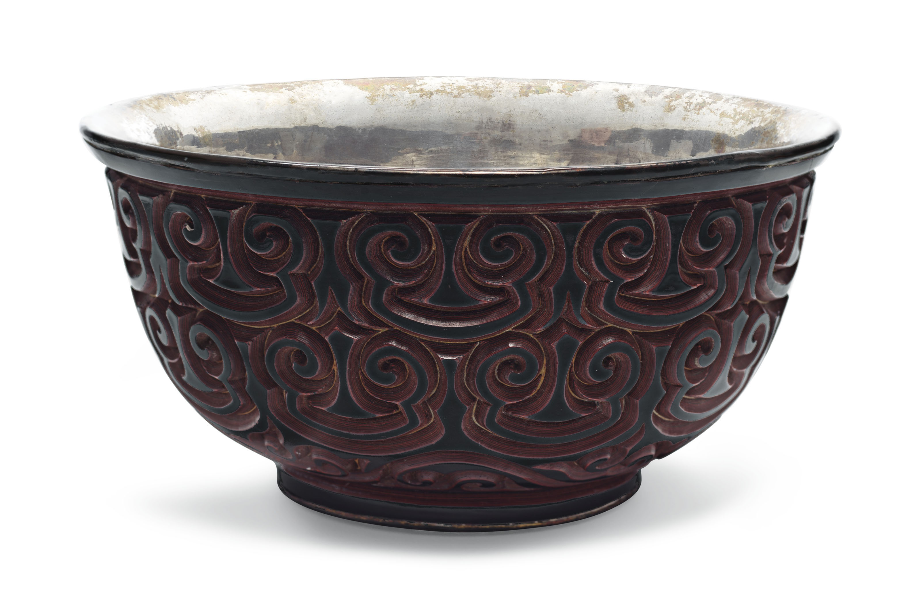 A RED AND BLACK TIXI LACQUER BOWL