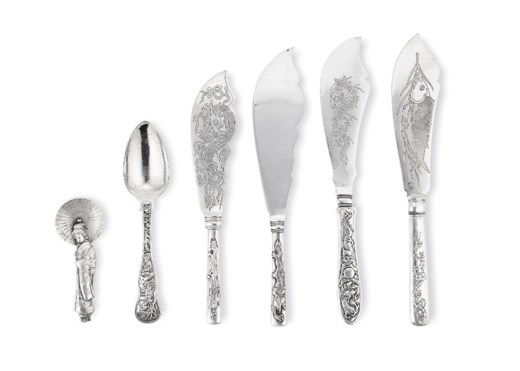 A GROUP OF FIVE CHINESE EXPORT SILVER FLATWARE SERVERS