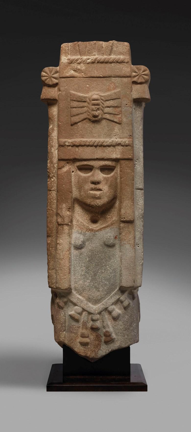 Huastèque - Aztèque stone figure of Chicomecoatl, Env. 1300-1521 AP. J.C.Height 101.5  cm (40  in). Sold for €118,750 on 9 April 2019 at Christie's in Paris