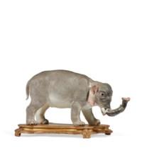 GRAND ELEPHANT EN PORCELAINE DE MEISSEN DU XVIIIE SIECLE