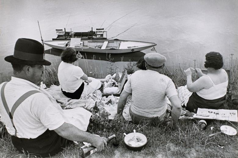 Henri Cartier-Bresson (1908-2004), Dimanche sur les bords de Seine, France, 1938. Imagesheet 16.5 x 24.8  cm (6½ x 9¾  in). Estimate €6,000-8,000. Offered in Photographies on 5 November 2019 at Christie's in Paris