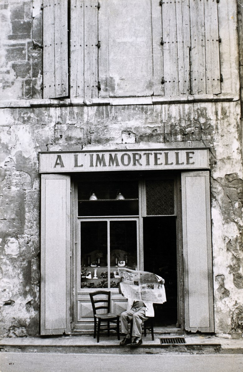 Henri Cartier-Bresson (1908-2004), À limmortelle, Arles, France, 1959. Imagesheet 17.8 x 11.8  cm (7 x 4⅝  in). Estimate €5,000-7,000. Offered in Photographies on 5 November 2019 at Christie's in Paris