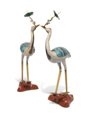 A LARGE PAIR OF CHINESE CLOISONNÉ ENAMEL CRANES