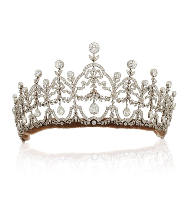 Diamond tiara, circa 1920. Garland design, pear-shaped diamond drops, old circular and single-cut diamonds, platinum, circa 1910. 6.7 cm high. Estimate £45,000-65,000.Offered inImportant Jewels, 4-18 November 2020, Online