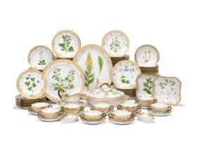 A ROYAL COPENHAGEN PORCELAIN 'FLORA DANICA' PART TABLE-SERVI