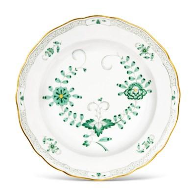 A MEISSEN PORCELAIN GREEN 'INDIANISCHE BLUMEN' PORCELAIN PART TABLE-SERVICE
