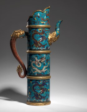 A LARGE TIBETAN-STYLE CLOISONNÉ ENAMEL EWER AND COVER, DUOMU