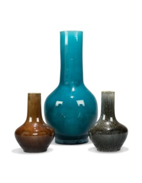 A LARGE CHINESE TURQUOISE-GLAZED BOTTLE VASE AND TWO FURTHER