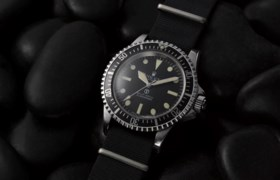 ROLEX, STEEL SUBMARINER
