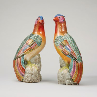 A PAIR OF FAMILLE-ROSE FIGURES