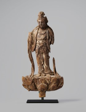 A VERY RARE WOOD STANDING FIGURE OF GUANYIN