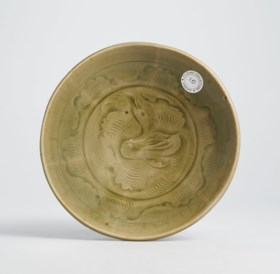 A YAOZHOU CARVED 'DUCK' DISH