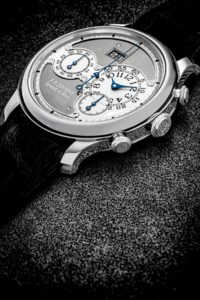 F.P. JOURNE. A RARE PLATINUM LIMITED EDITION AUTOMATIC CHRONOGRAPH WRISTWATCH WITH DATE