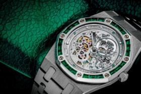 AUDEMARS PIGUET A STUNNING AND UNIQUE PLATINUM AND EMERALD-S