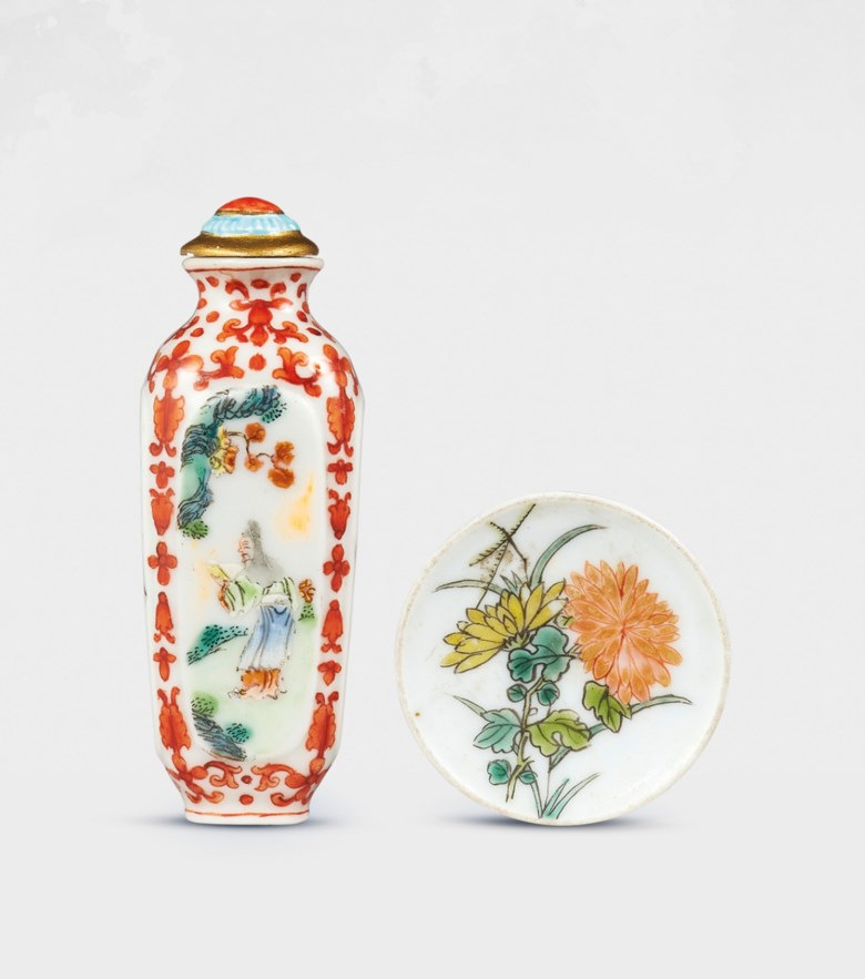 A famille rose porcelain 'scholar' snuff bottle, Qianlong four-character seal mark in iron red in a square and of the period (1736-1795). Bottle 2⅚ in (6.6  cm) high, porcelain stopper, dish 1½  in (3.9  cm)  diam. Estimate HK$120,000-240,000. Offered in Chinese Snuff Bottles and Matching Dishes from Private Collections on 8 October 2020 at Christie's in Hong Kong