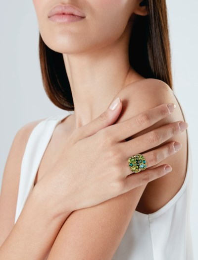 MULTI-GEM AND GOLD RING, HERZ-