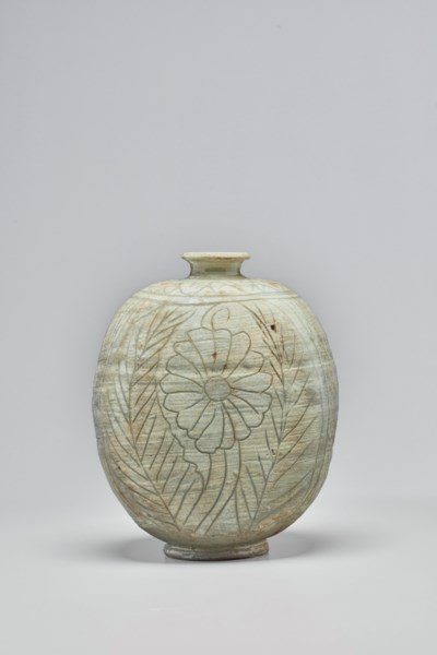 A BUNCHEONG INCISED STONEWARE