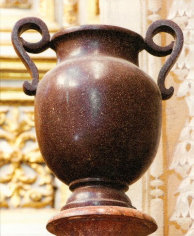 A PAIR OF ROMAN GILT-BRONZE-MO
