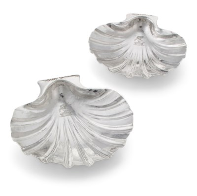 A PAIR OF GEORGE I SILVER SHEL