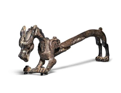 A BRONZE LEOGRYPH-FORM INCENSE
