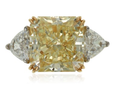 Fancy yellow diamond ring of 8.16 carats with GIA report. 1 square modified brilliant-cut diamond measuring 11.23 x 11.02 x 7.29 mm and weighing 8.16 carats. Estimate $60,000-80,000. Offered in  Jewels Online Summer Sparkle, 12-27 August 2020, online