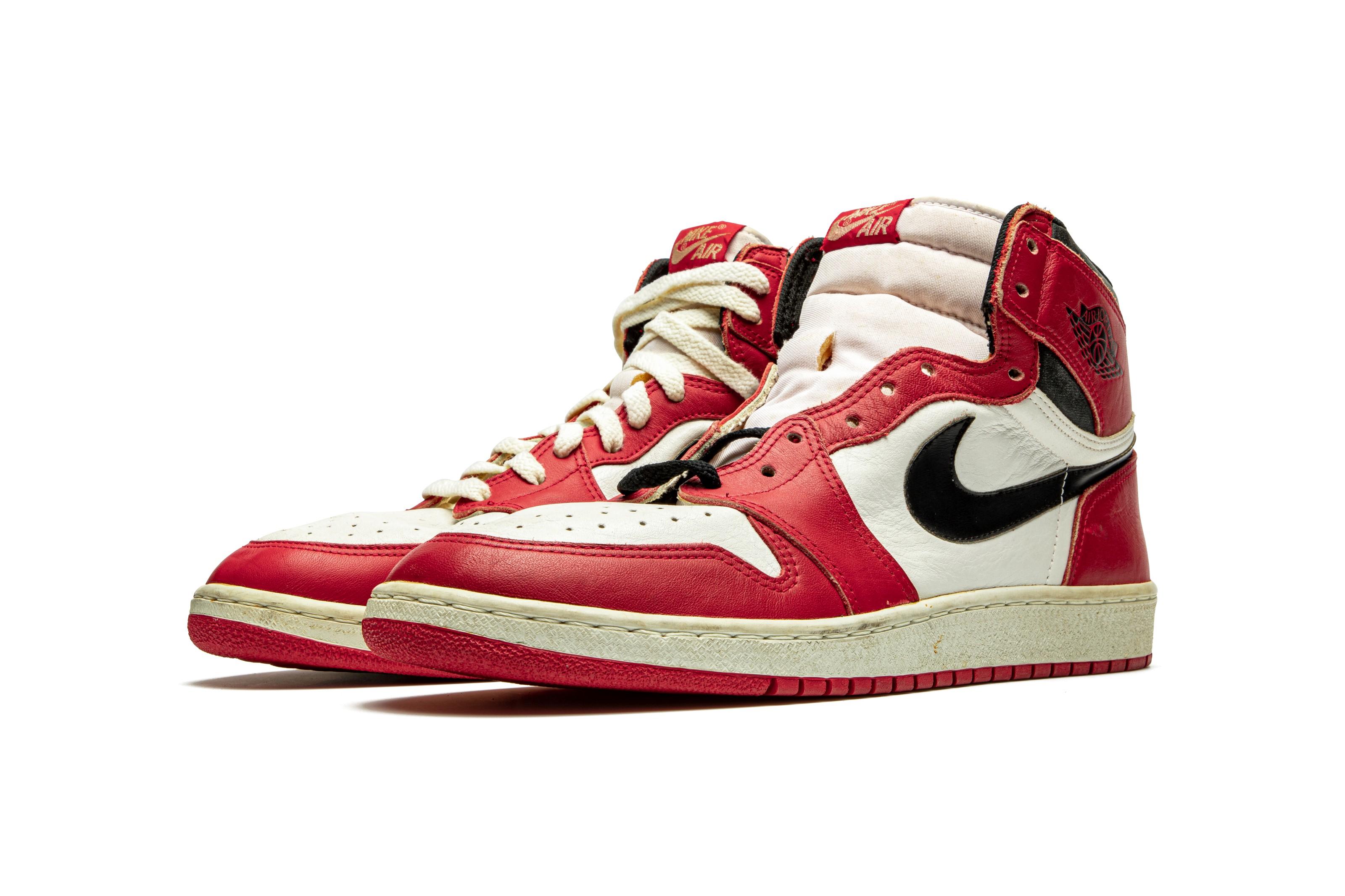 Air Jordan 1 TYPS, Player Exclusive Signed Sneaker, Nike, 1985 ...