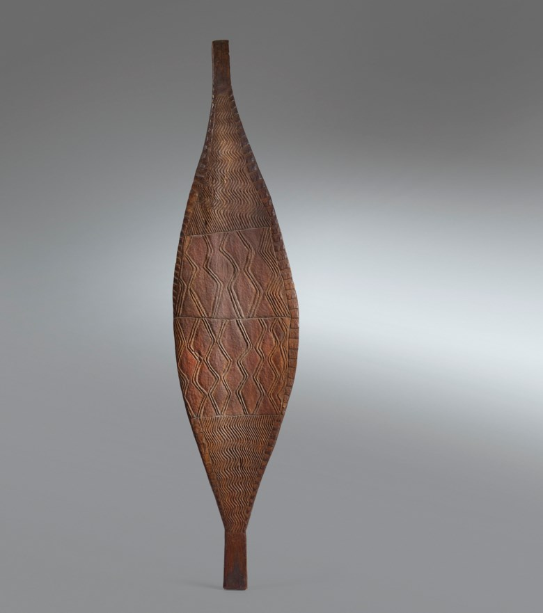 Bouclier shield, Murray River, Australia. Height 48 in (122  cm). Estimate €35,000-50,000. Offered in African, Oceanic and North American Art on 29 June 2020 at Christie's in Paris