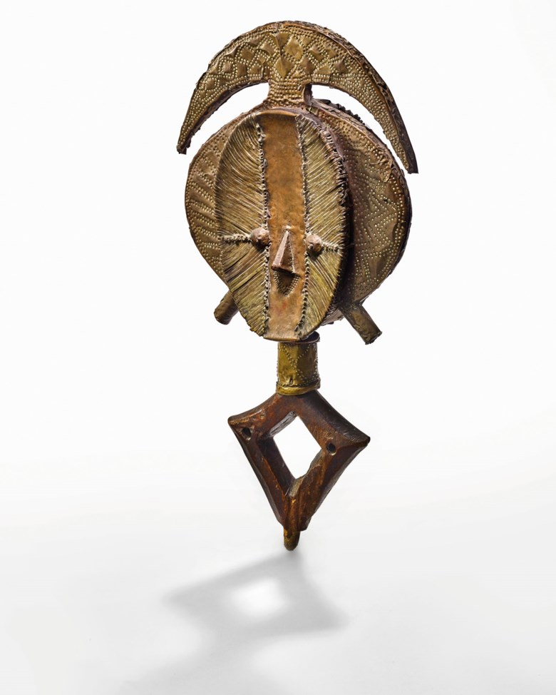 Kota Janus reliquary figure, Mbulu Ngulu, Gabon. Height 58.5  cm (23  in). Estimate €180,000-250,000. Offered in SHAPE(S), LUNIVERS DES FORMES, African and Oceanic arts on 3 December 2020 at Christie's in Paris