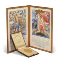 """GIDE, André (1869-1951). Médaille de son prix Nobel de littérature, 1947. Or, 23 carats (208 grammes), 66 mm de diamètre. Avers : buste de profil d'Alfred Nobel tourné vers la gauche, légende """"ALFR. NOBEL"""" et ses dates en chiffres romains. Revers : allégorie de la Muse couronnant le poète, signée Erik Lindberg, légende """"INVENTAS VITAM IUVAT EX COLUISSE PER ARTES"""", en pied dans une tabula ansata « A. GIDE MCMXLVII » encadré par la mention ACAD. SUEC. Tranche marquée « GULD 1947 » (Kungliga Mynt och Justeringsverket - Monnaie Royale de Suède) (petit choc et enfoncement au-dessus des 4 lettres XCOL de la légende) ; dans son écrin carré d'origine en maroquin rouge, intérieur doublé de satin et de daim crème (125 x 125 mm)."""