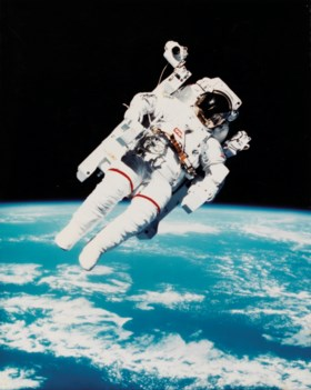 The first untethered space flight: astronaut Bruce McCandles