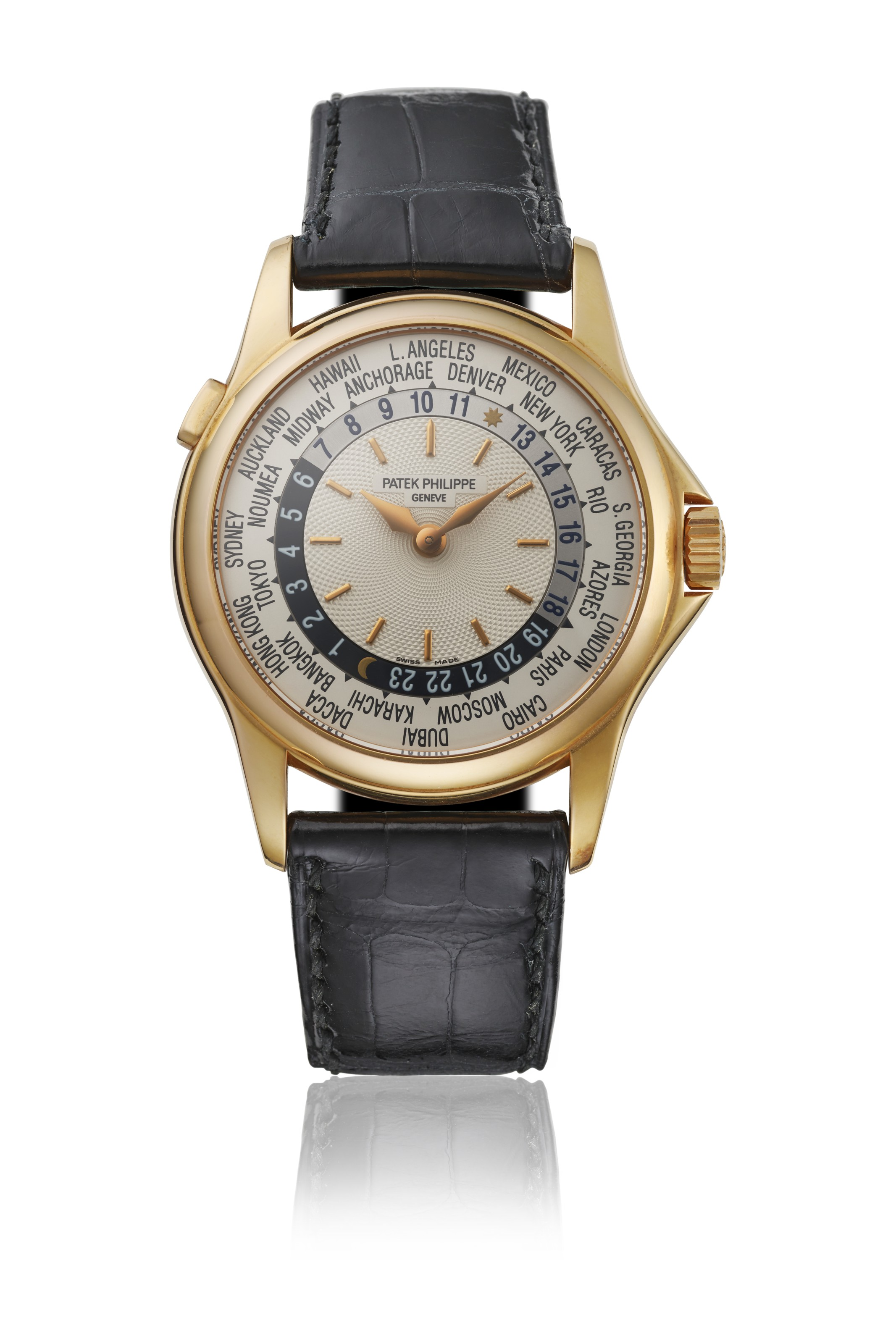 Patek Philippe, an 18k pink gold automatic World Time wristwatch with box, 2001. Sold forCHF 21,250 on 10 May 2021 at Christie's in Geneva