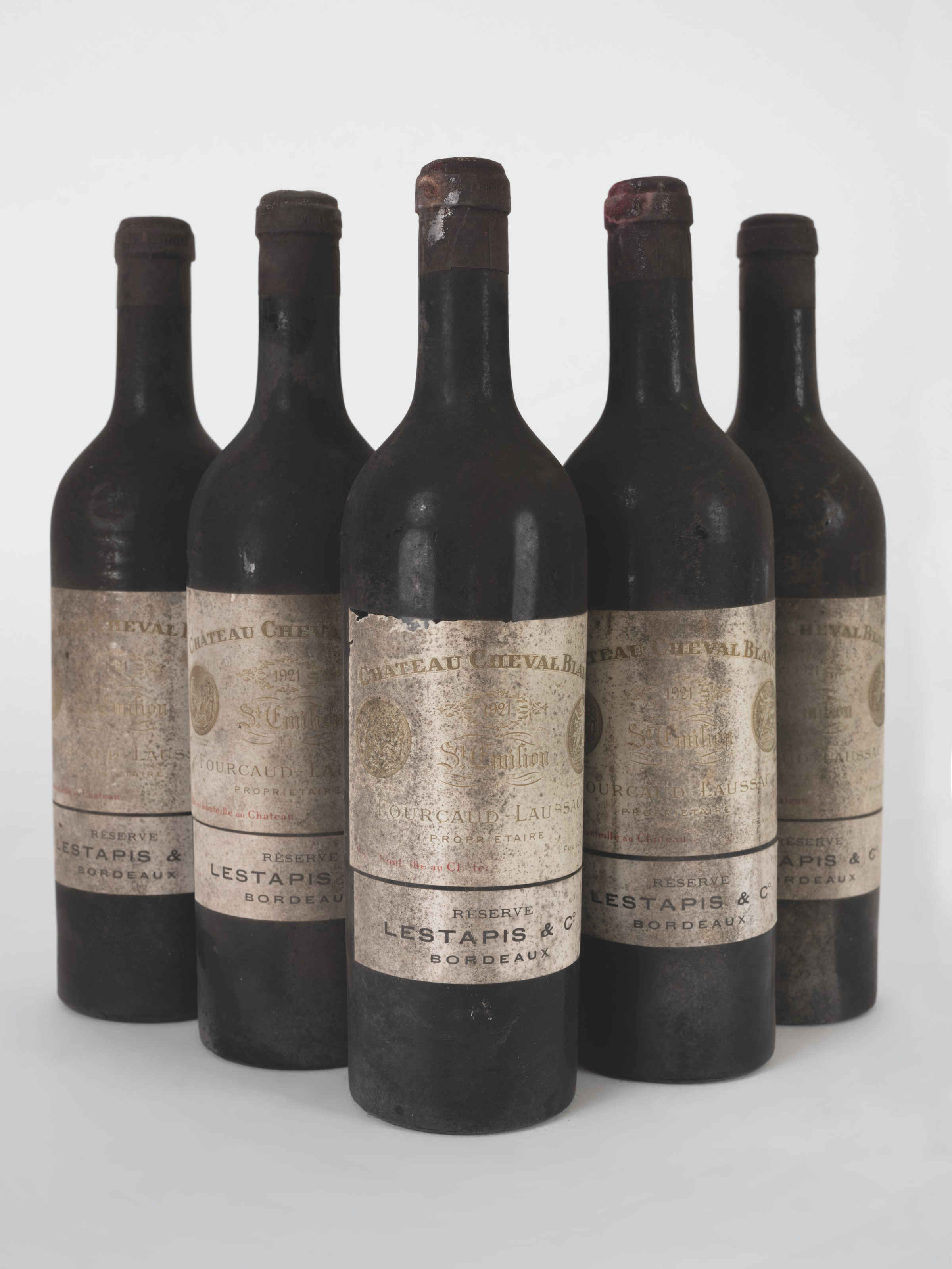 Château Cheval-Blanc 1921. 6 bottles per lot. Sold forCHF 91,875 on 11 May 2021 at Christie's in Geneva