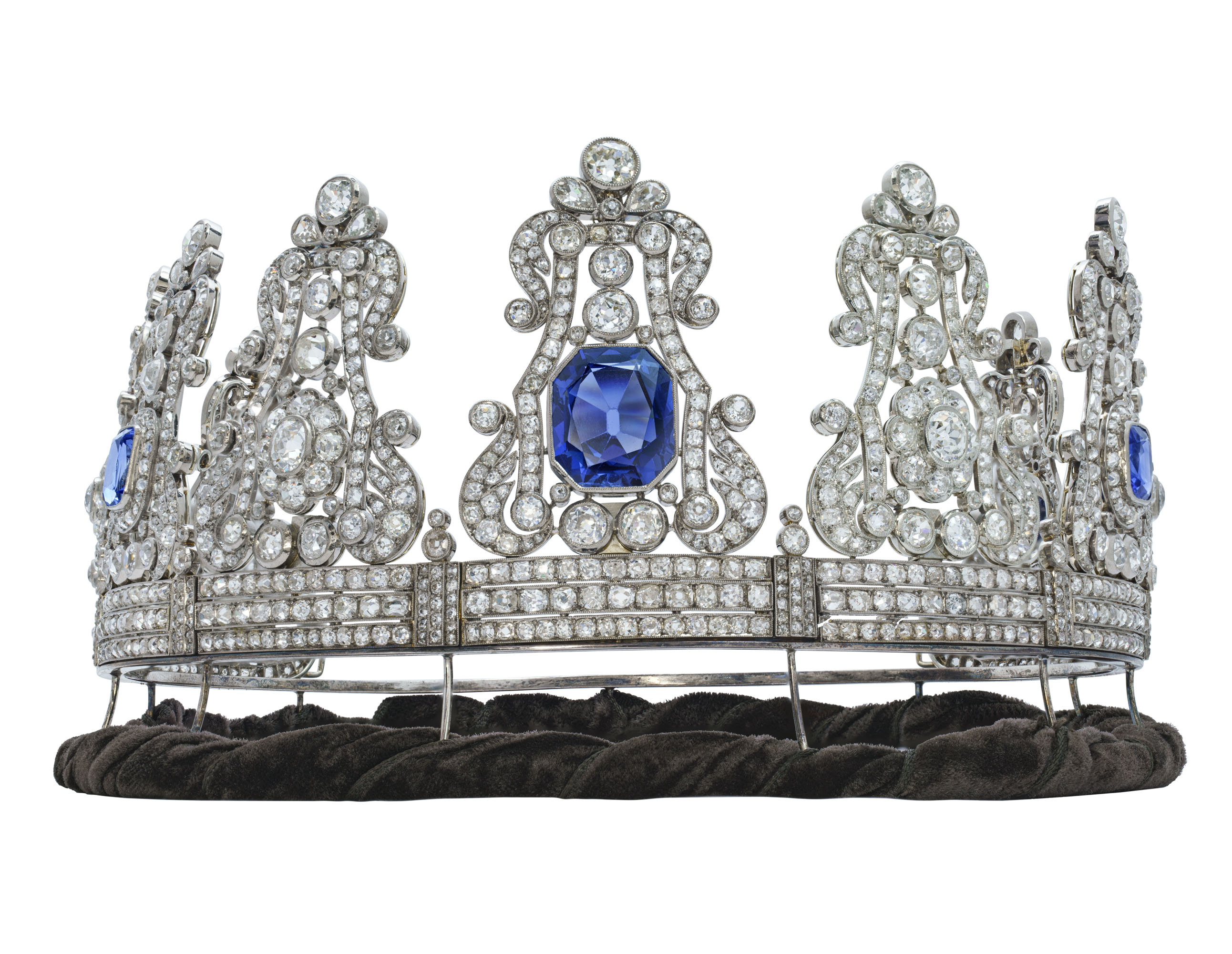 IMPORTANT 19TH CENTURY SAPPHIRE AND DIAMOND CROWN