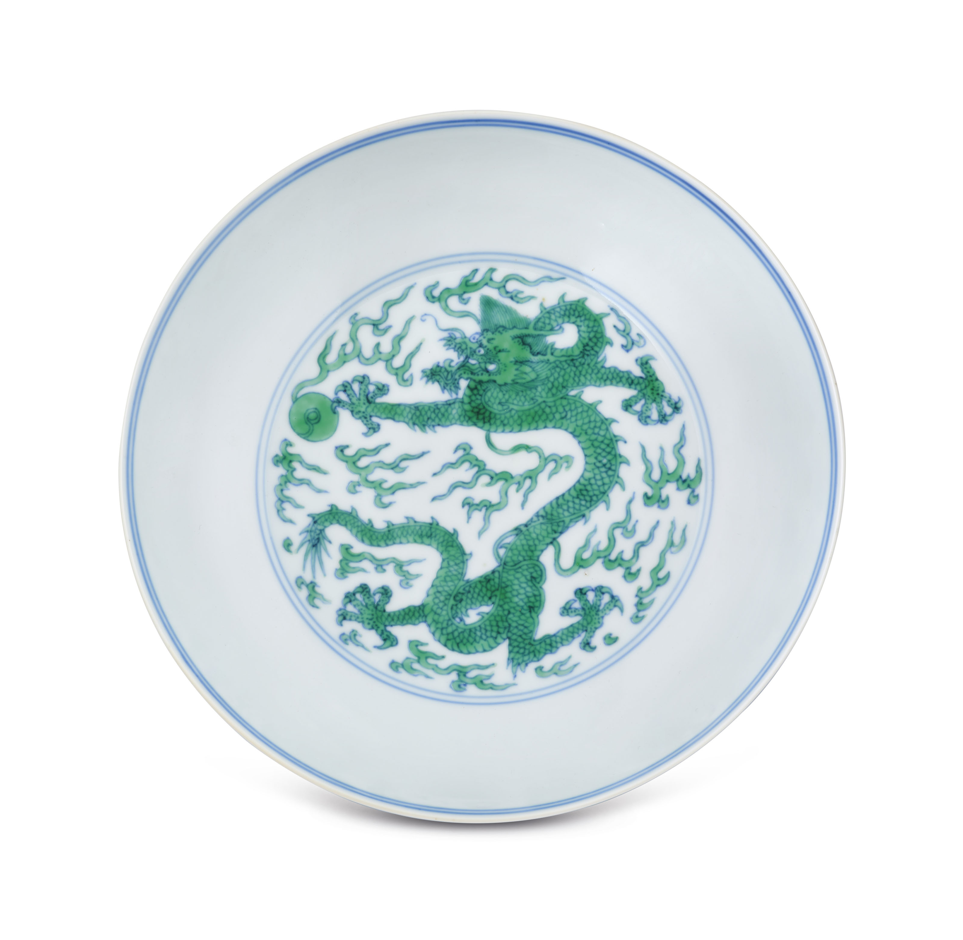 A FINE AND RARE UNDERGLAZE-BLUE AND GREEN-ENAMELLED 'DRAGON' DISH