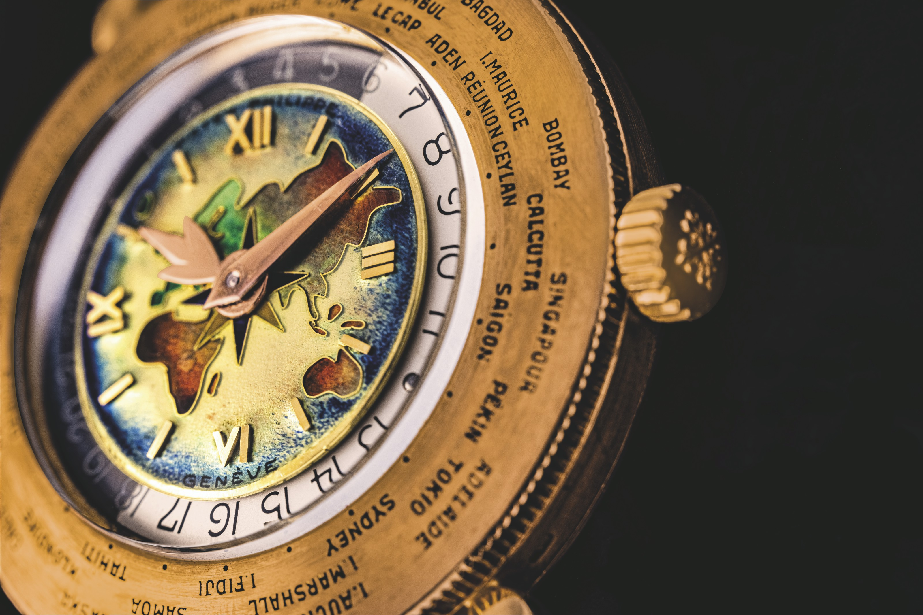 PATEK PHILIPPE. A MAGNIFICENT AND IMPORTANT 18K PINK GOLD WORLD TIME WRISTWATCH WITH ENAMEL DIAL DEPICTING THE EASTERN HEMISPHERE