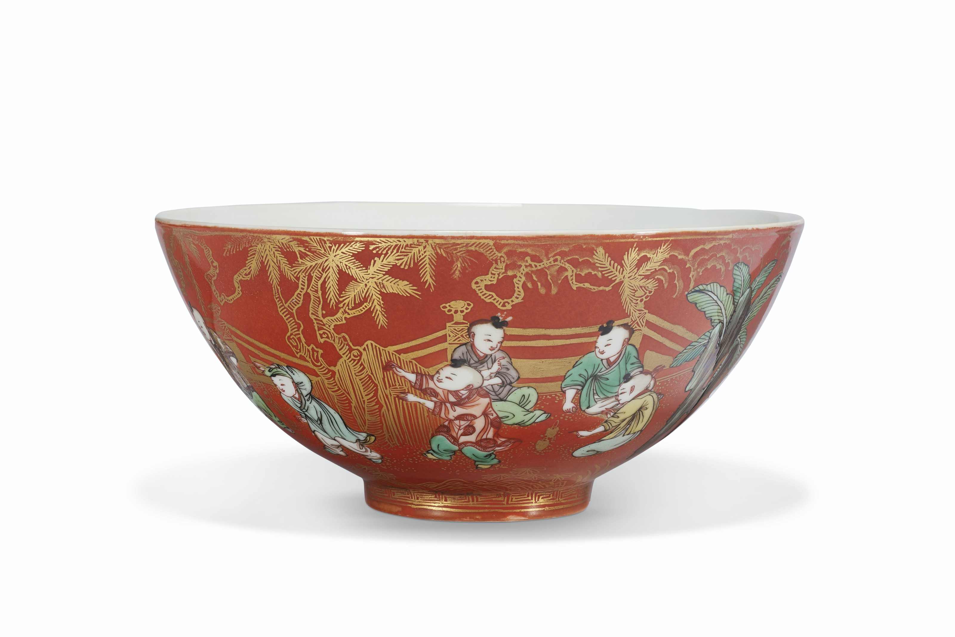 A VERY RARE CORAL-GROUND FAMILLE VERTE 'BOYS' BOWL
