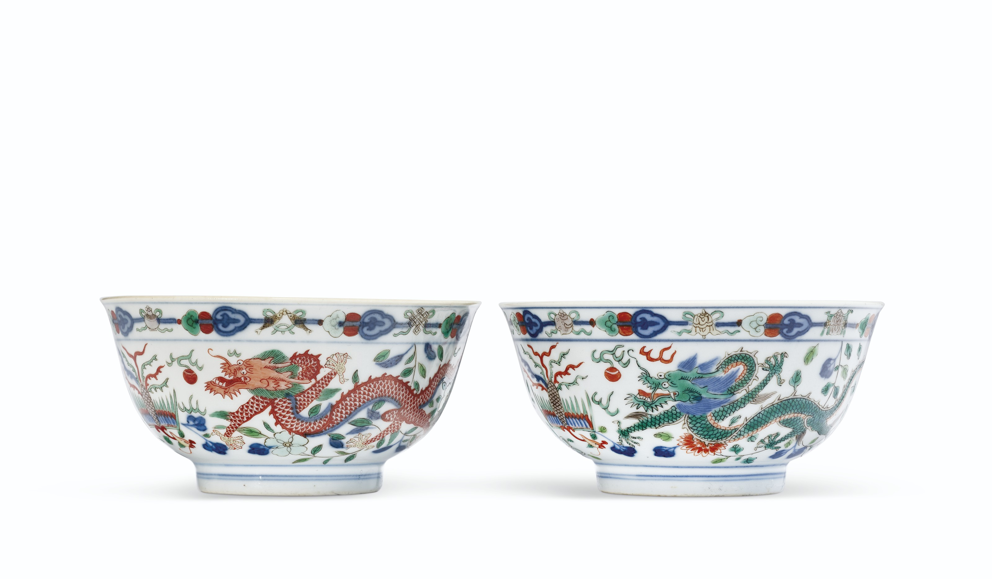 A PAIR OF WUCAI 'DRAGON AND PHOENIX' BOWLS