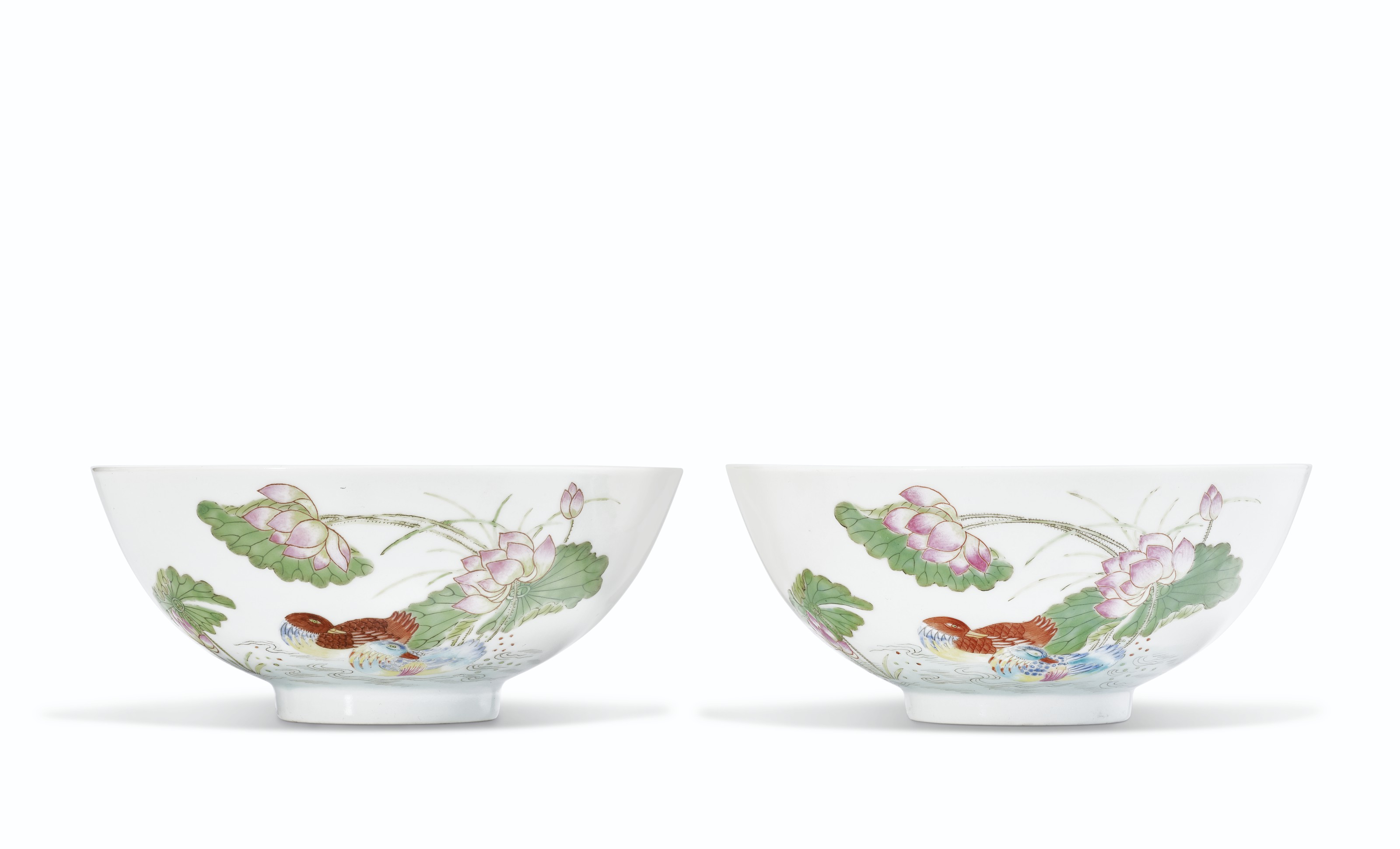 A RARE PAIR OF FAMILLE ROSE 'MANDARIN DUCKS' BOWLS