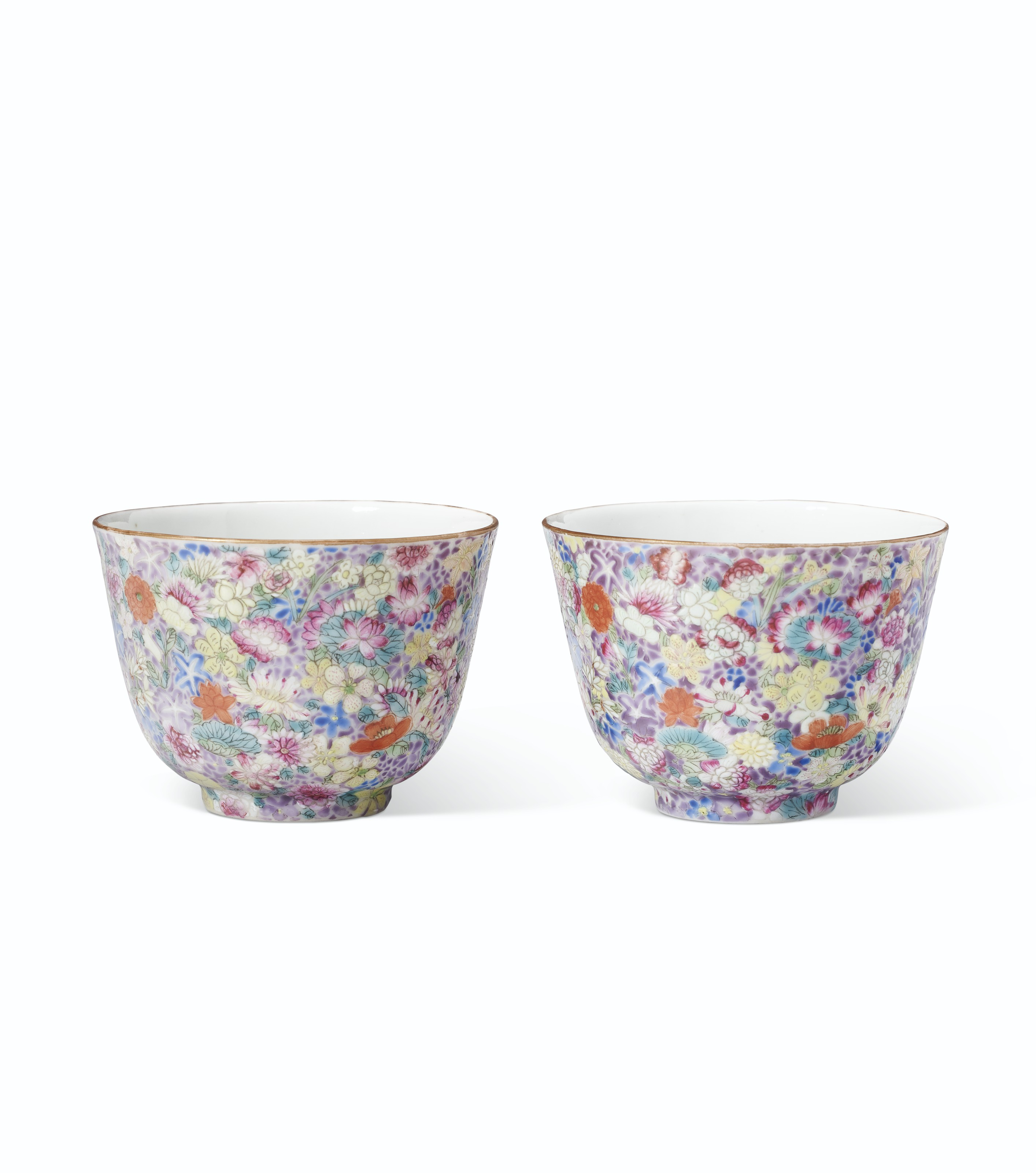 A PAIR OF FAMILLE ROSE MILLE FLEURS CUPS
