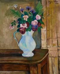 Bouquet de roses, bleuets et fougères