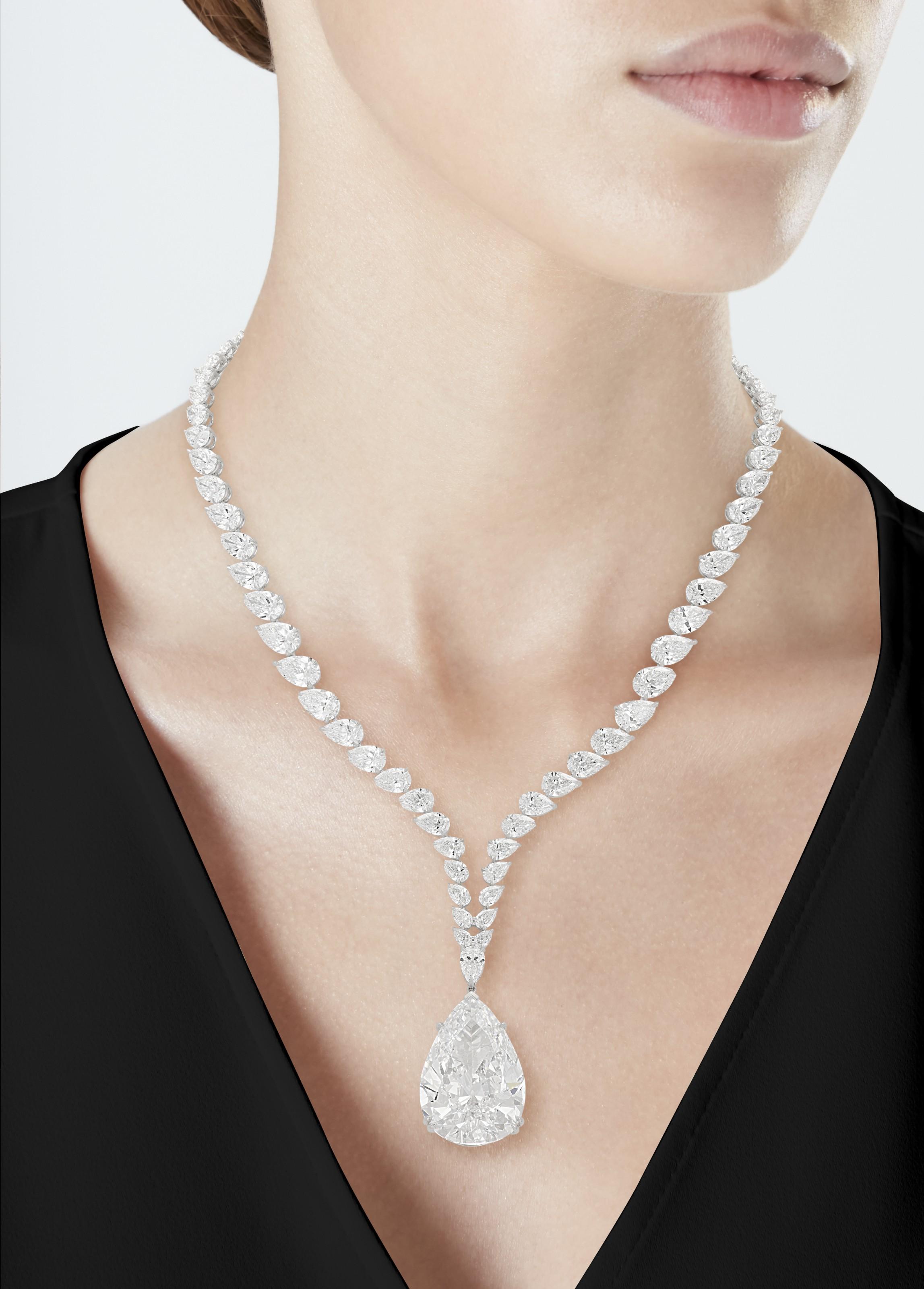 THE CHRYSLER DIAMOND A MAGNIFICENT DIAMOND PENDANT NECKLACE