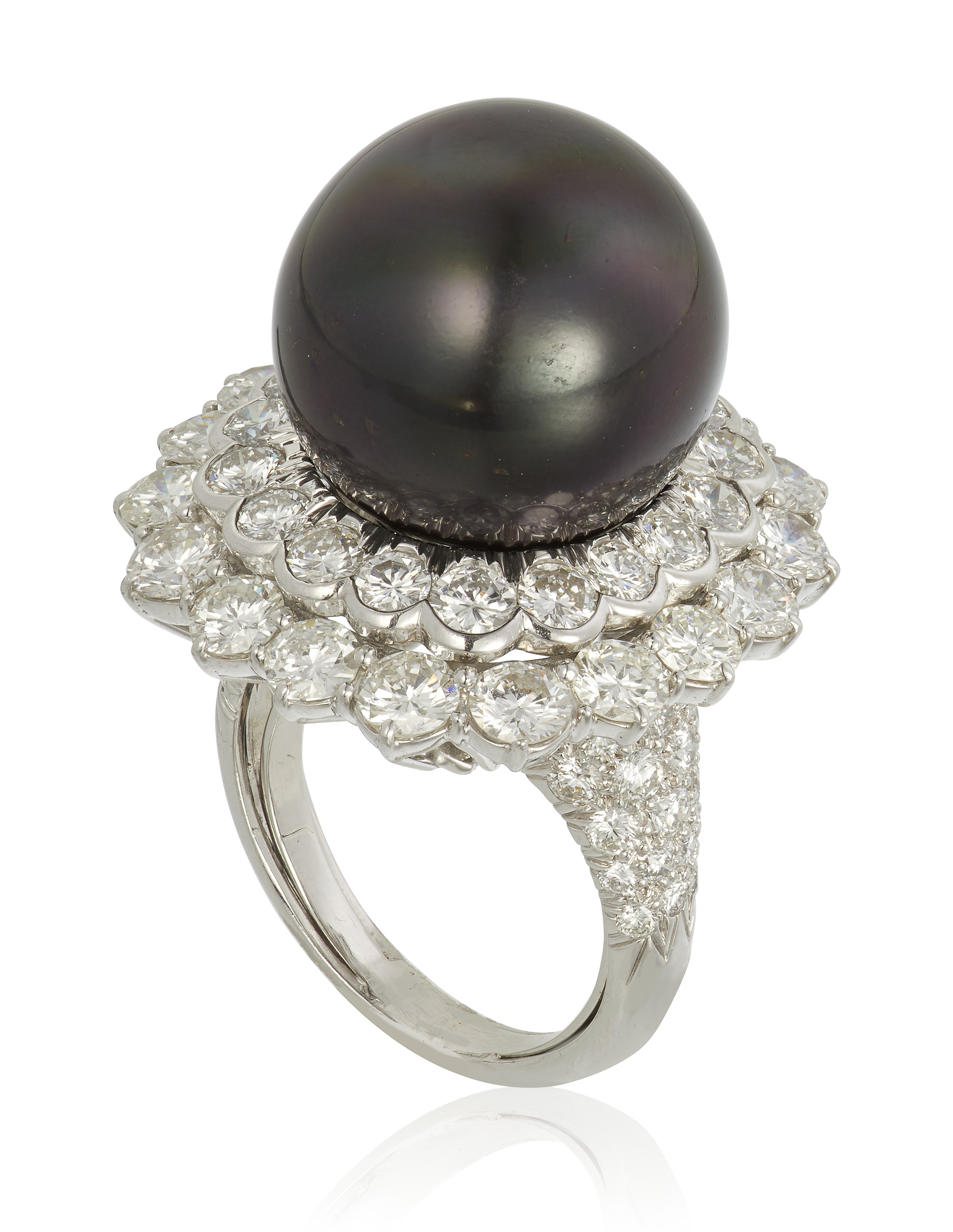 Cultured pearl and diamond ring, by David Webb. Estimate $6,000-8,000. Offered in Jewels Online, until 10 February 2021, Online