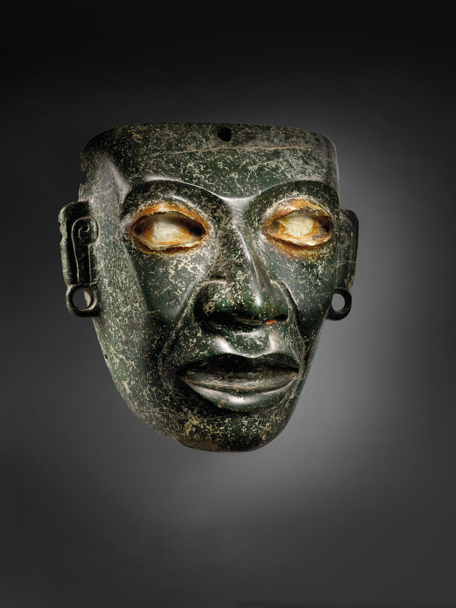 Teotihuacán serpentine mask, circa 450-650 AD. Sold for €437,500 on 9 February 2021 at Christie's in Paris