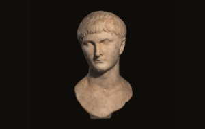 Faces of the Past: Ancient Scu auction at Christies
