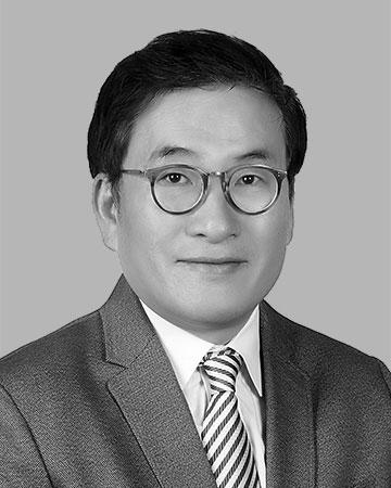 Hak Jun Lee