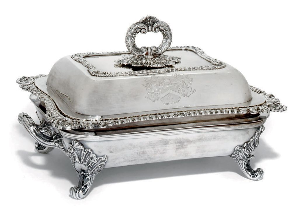 A VICTORIAN SILVER ENTREE DISH