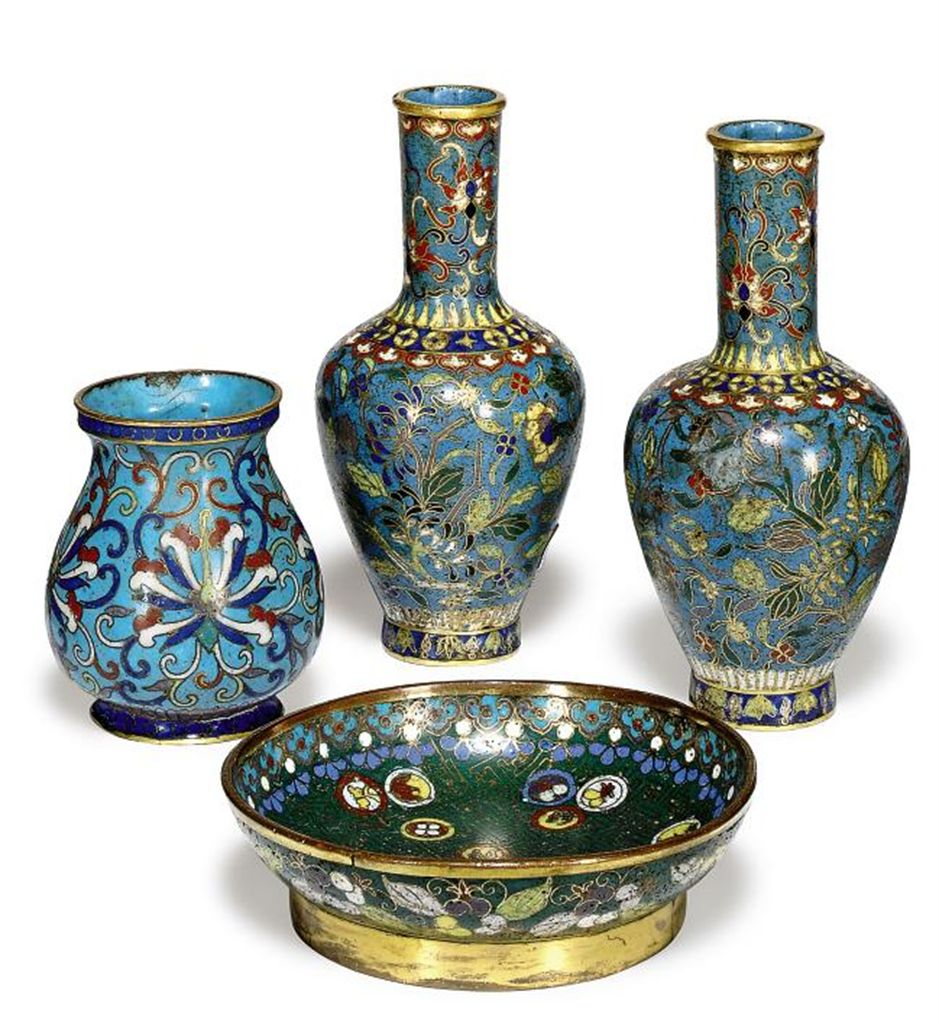 A GROUP OF SMALL CHINESE CLOISONNÉ VESSELS
